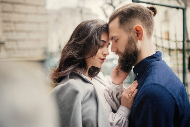 Libra Man Falling in Love Signs - Observe These 3 Vital Signs